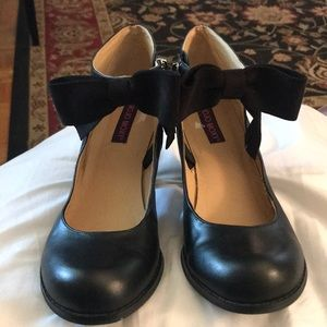 Mojo Moxy Mary Janes with ankle bow detail, Sz 7.5